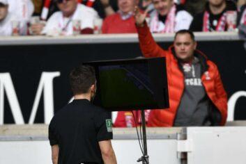 VAR Videoassistent Videoschiedsrichter